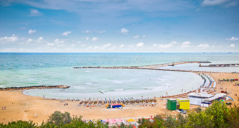 Όμορφη παραλία άμμου σε Μαύρη Θάλασσα, Constanta, Ρουμανία. στοκ εικόνες