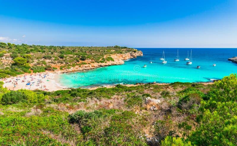 Όμορφη παραλία Cala Varques κόλπων της Ισπανίας Majorca στοκ εικόνες με δικαίωμα ελεύθερης χρήσης