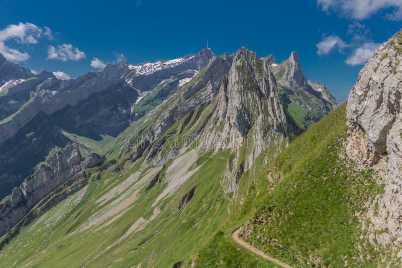 Όμορφη περιήγηση εξερεύνησης στα βουνά Appenzell στην Ελβετία - Appenzell/Alpstein/Ελβετία στοκ φωτογραφία με δικαίωμα ελεύθερης χρήσης