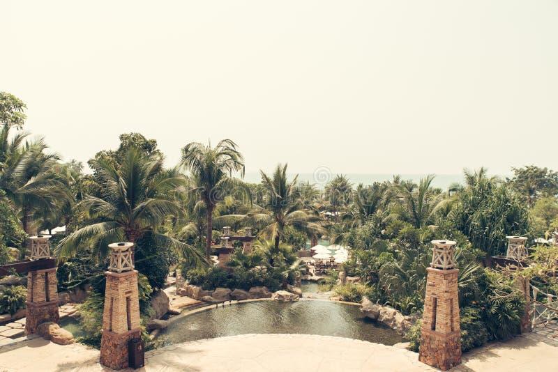 Όμορφη πισίνα στο τροπικό θέρετρο, Phuket, Ταϊλάνδη Β στοκ εικόνες