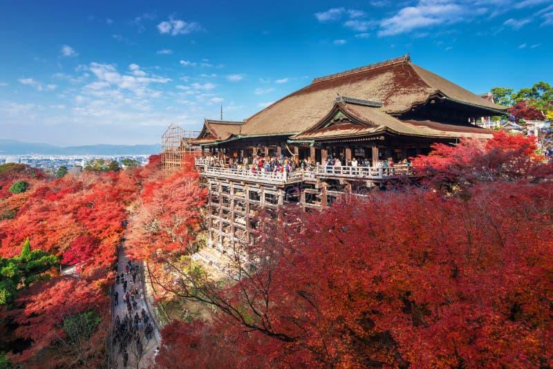 Όμορφη σκηνή του ναού kiyomizu-Dera στην εποχή φθινοπώρου, Ιαπωνία στοκ εικόνες