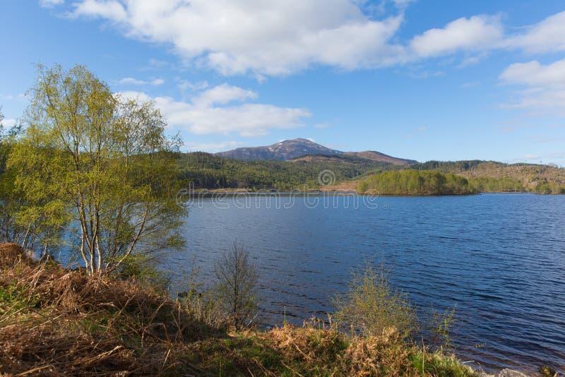 Όμορφη σκωτσέζικη λίμνη του Garry Σκωτία UK λιμνών στοκ εικόνες