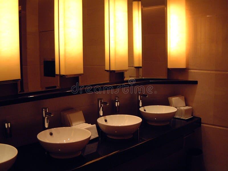 όμορφη τουαλέτα ξενοδοχ& στοκ εικόνες