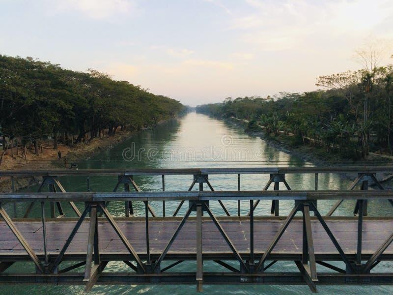 Όμορφη φυσική φωτογραφία οθόνης ποταμών στοκ εικόνες