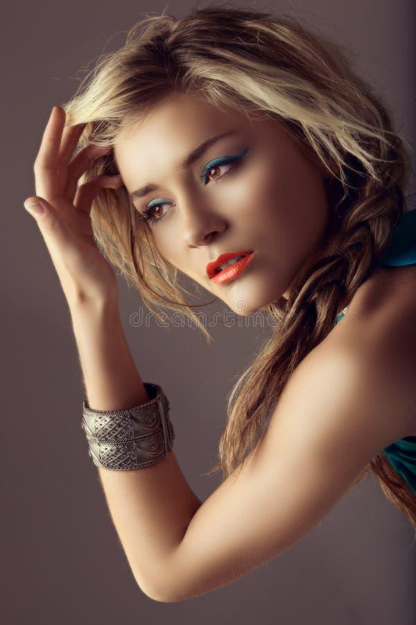 όμορφη χειλική γυναίκα κ&omicro στοκ εικόνες με δικαίωμα ελεύθερης χρήσης