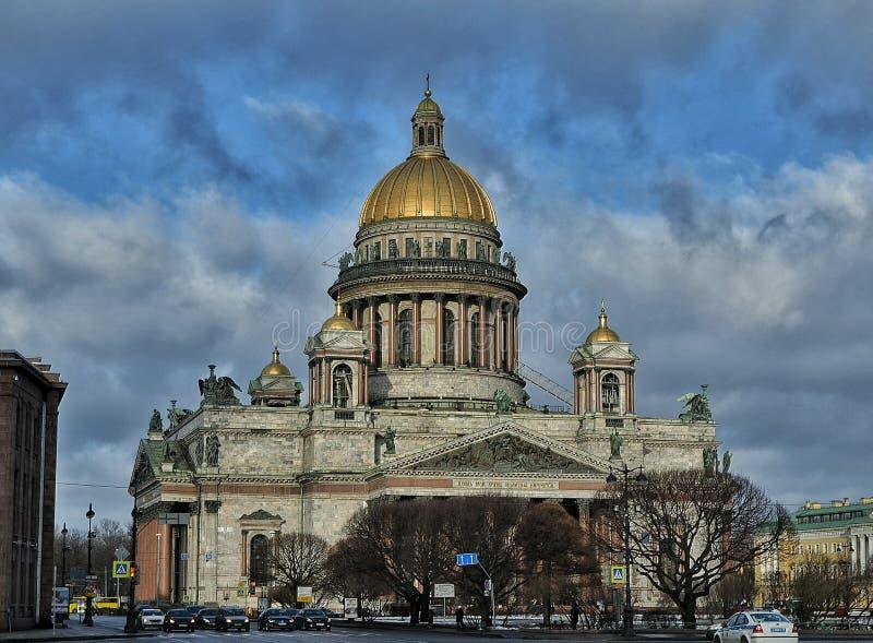 όμορφη όψη του Isaac Άγιος καθεδρικών ναών στοκ φωτογραφία με δικαίωμα ελεύθερης χρήσης
