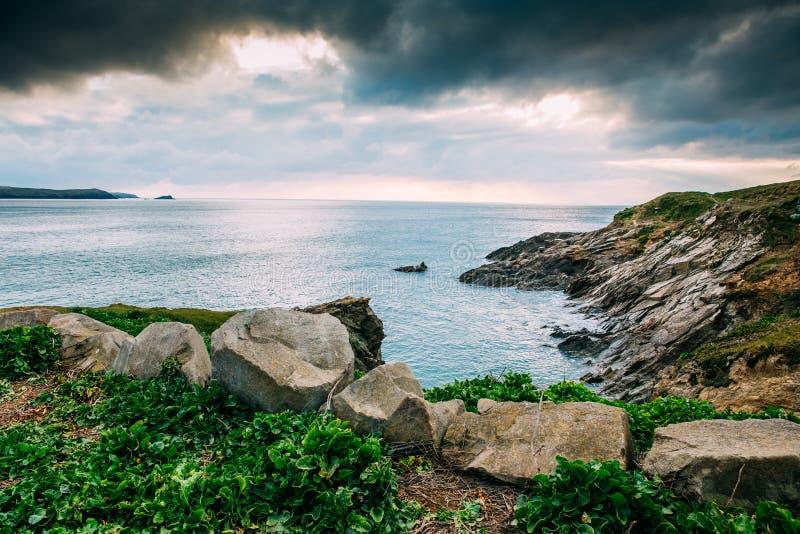 Όμορφη Cornish ακτή σε Newquay, Ηνωμένο Βασίλειο στοκ φωτογραφία
