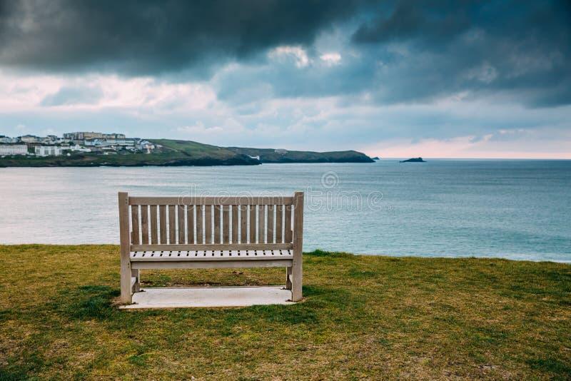 Όμορφη Cornish ακτή σε Newquay, Ηνωμένο Βασίλειο στοκ φωτογραφία με δικαίωμα ελεύθερης χρήσης