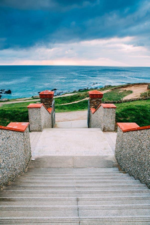 Όμορφη Cornish ακτή σε Newquay, Ηνωμένο Βασίλειο στοκ φωτογραφίες