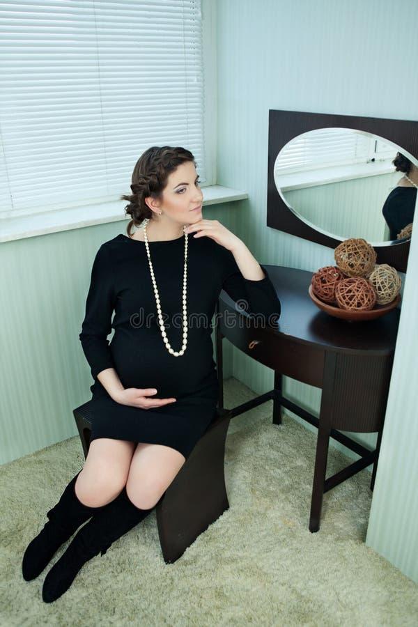 Όμορφος έγκυος στοκ εικόνα