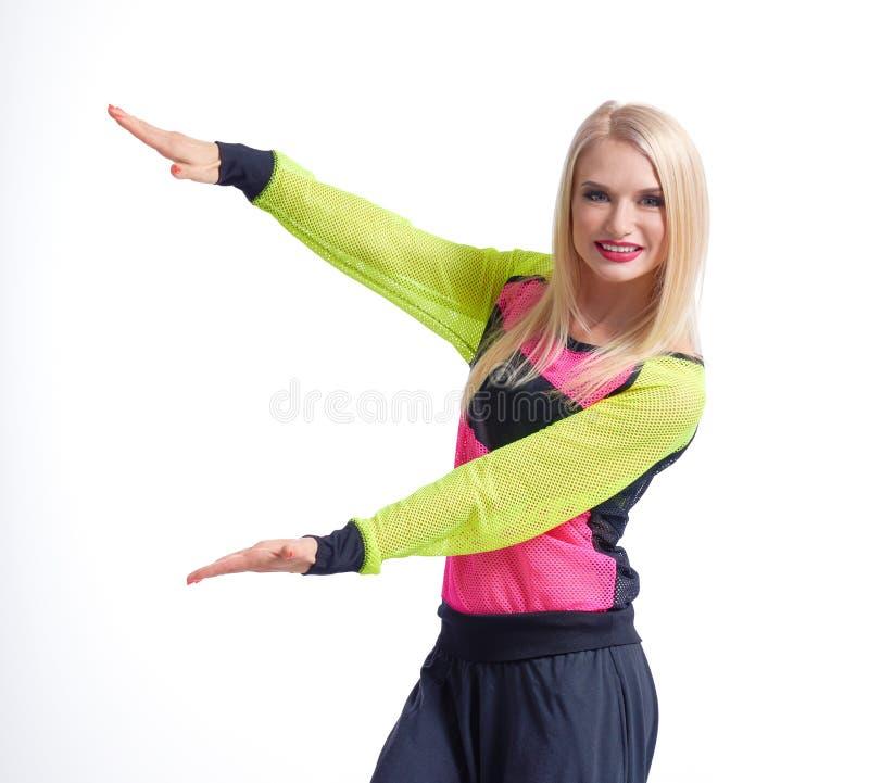 Όμορφος αθλητικός θηλυκός χορευτής που απομονώνεται στο λευκό στοκ φωτογραφία με δικαίωμα ελεύθερης χρήσης