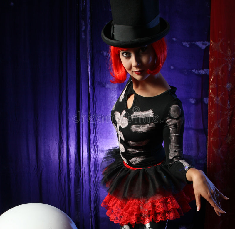 όμορφος εκτελεστής redhead στοκ φωτογραφίες με δικαίωμα ελεύθερης χρήσης