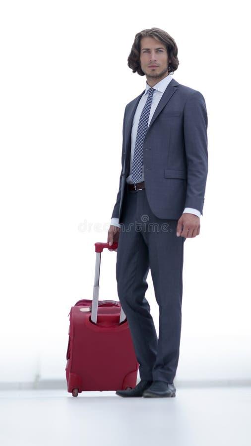 Όμορφος επιχειρηματίας με τις αποσκευές στοκ φωτογραφίες με δικαίωμα ελεύθερης χρήσης
