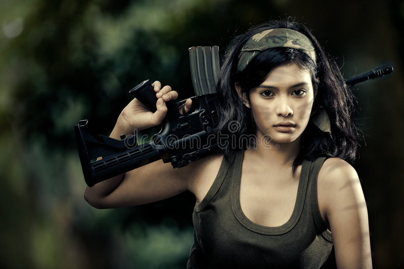 όμορφος θηλυκός στρατιώτης στοκ εικόνα