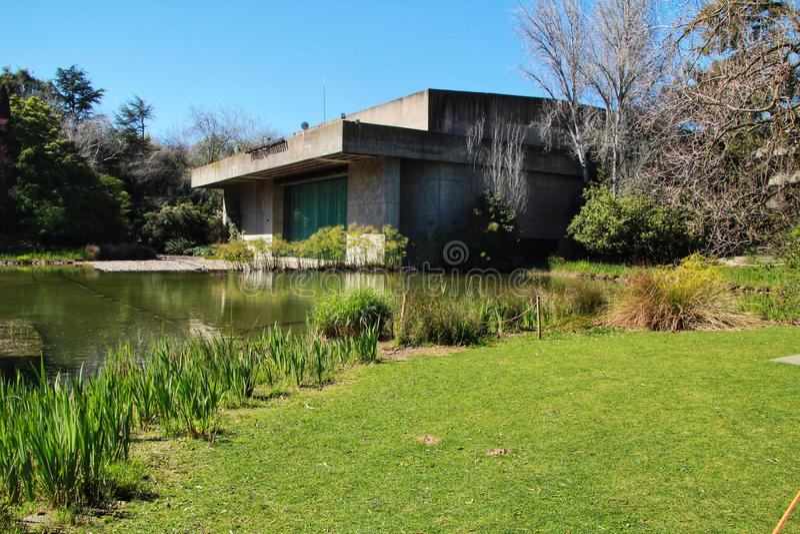 Όμορφος κήπος του μουσείου Gulbenkian στη Λισσαβώνα στοκ φωτογραφίες