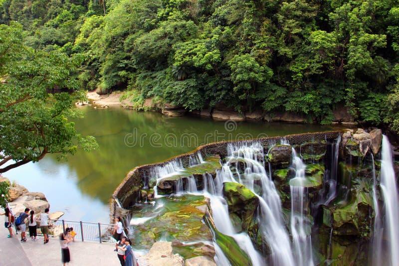 Όμορφος καταρράκτης στην πόλη νέος-Ταϊπέι στην Ταϊβάν στοκ εικόνα με δικαίωμα ελεύθερης χρήσης