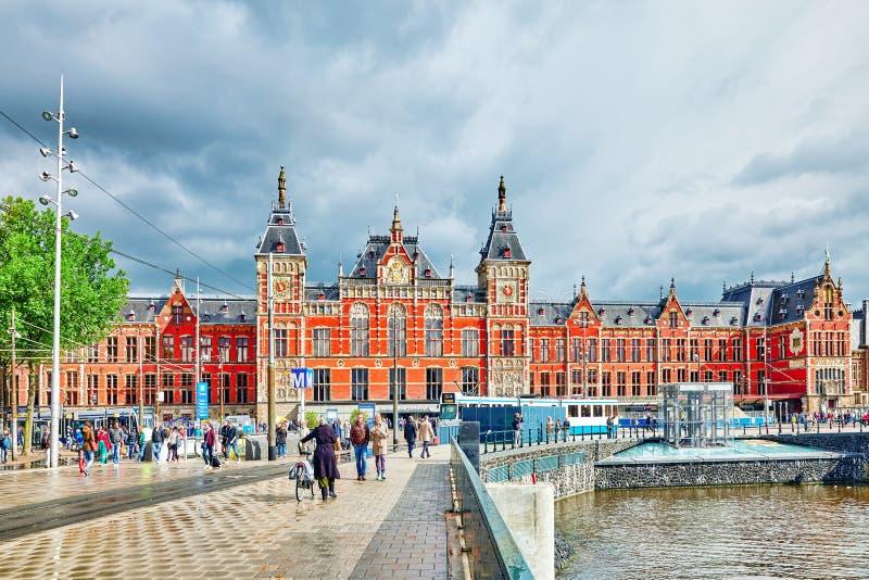 Όμορφος κεντρικός σταθμός του Άμστερνταμ κτηρίων στοκ φωτογραφία