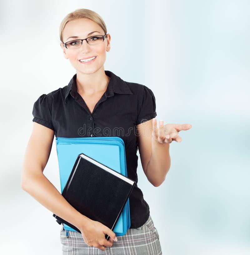 Όμορφος νέος δάσκαλος στοκ εικόνα με δικαίωμα ελεύθερης χρήσης