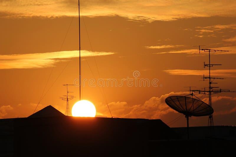 Όμορφος ορίζοντας στο ηλιοβασίλεμα στοκ εικόνες με δικαίωμα ελεύθερης χρήσης
