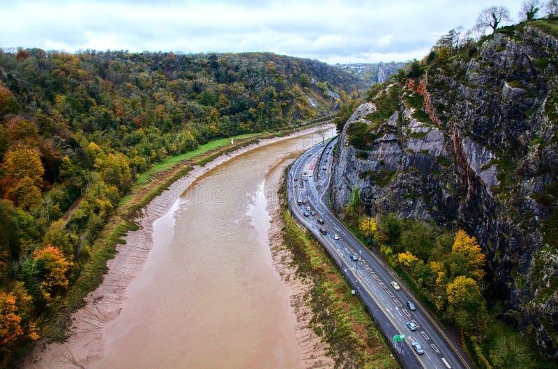 Όμορφος ποταμός που λαμβάνεται από τη γέφυρα αναστολής του Μπρίστολ με τα φανταστικά χρώματα στοκ φωτογραφία με δικαίωμα ελεύθερης χρήσης