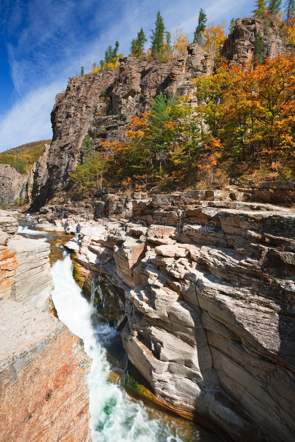 όμορφος ποταμός φθινοπώρ&omicron στοκ φωτογραφίες