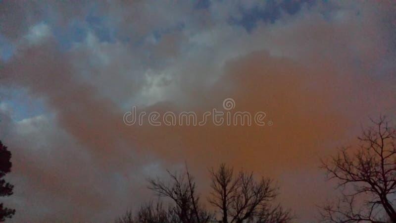 Όμορφος ρόδινος ουρανός στοκ εικόνες