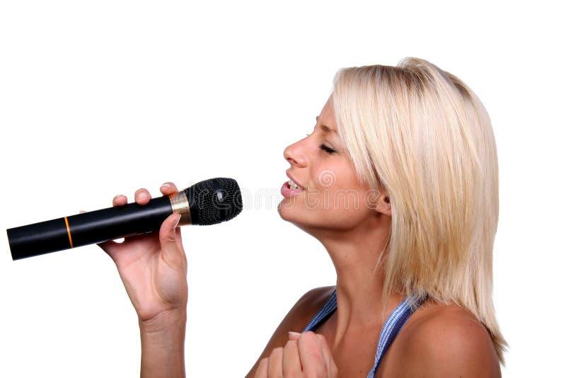 όμορφος τραγουδιστής στοκ εικόνα