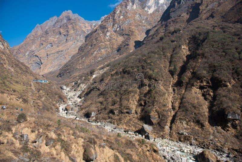 Όμορφος τρόπος για στο στρατόπεδο βάσεων Annapurna στοκ φωτογραφία με δικαίωμα ελεύθερης χρήσης