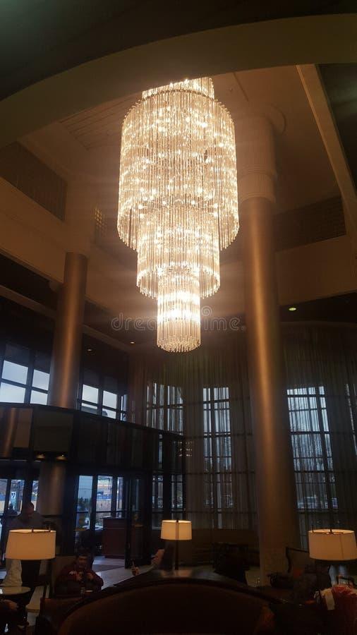 Όμορφος shandlear στο ξενοδοχείο Marriott στοκ φωτογραφίες με δικαίωμα ελεύθερης χρήσης