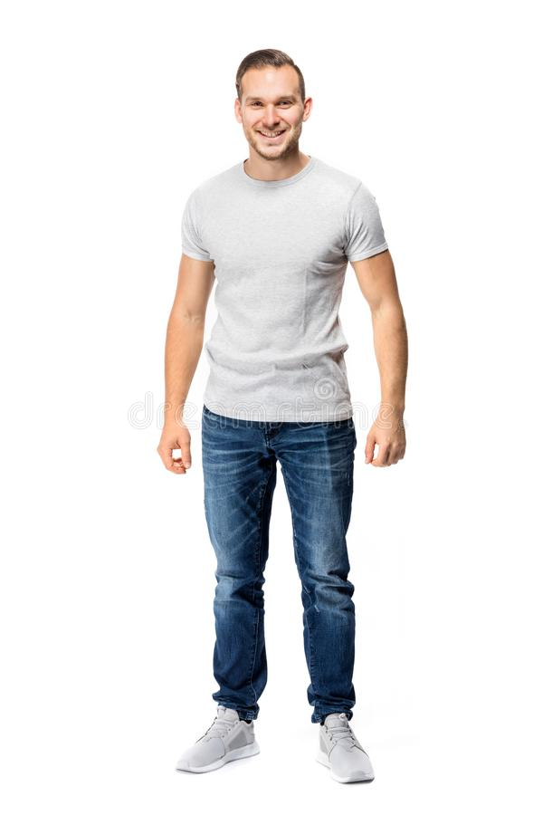 Όμορφο άτομο στην άσπρη μπλούζα σύνολο σωμάτων στοκ εικόνες