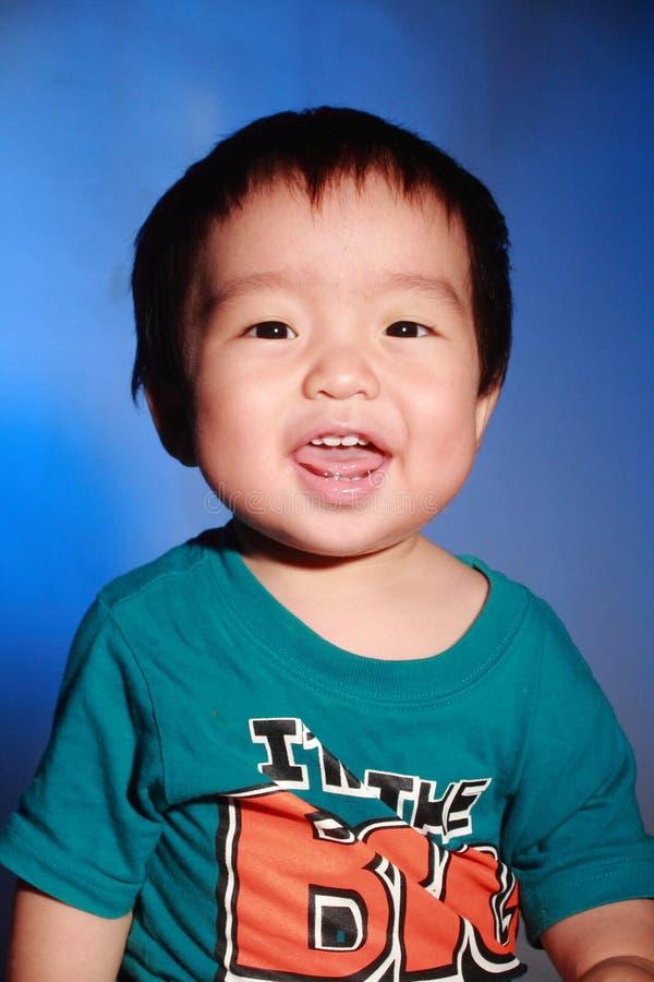 Όμορφο ασιατικό χαμόγελο αγοριών στοκ φωτογραφία με δικαίωμα ελεύθερης χρήσης