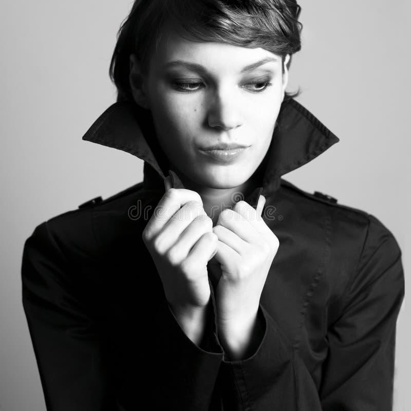 όμορφο γυναικείο πορτρέτ&o στοκ φωτογραφίες με δικαίωμα ελεύθερης χρήσης