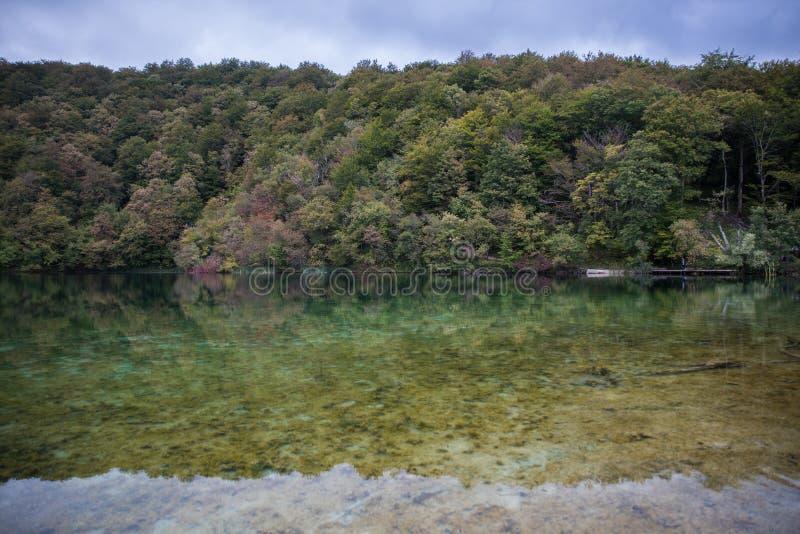 Όμορφο εθνικό πάρκο στην Κροατία, λίμνες Plitvice στοκ φωτογραφίες
