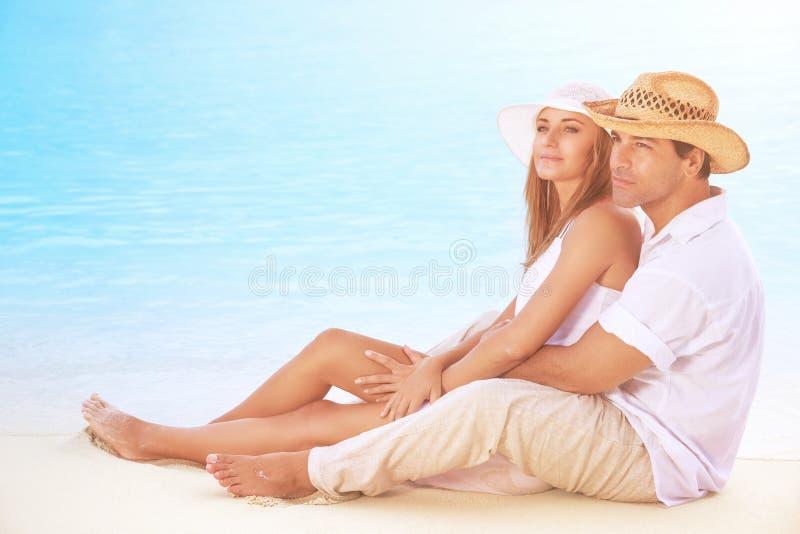 όμορφο ζεύγος παραλιών στοκ φωτογραφία με δικαίωμα ελεύθερης χρήσης