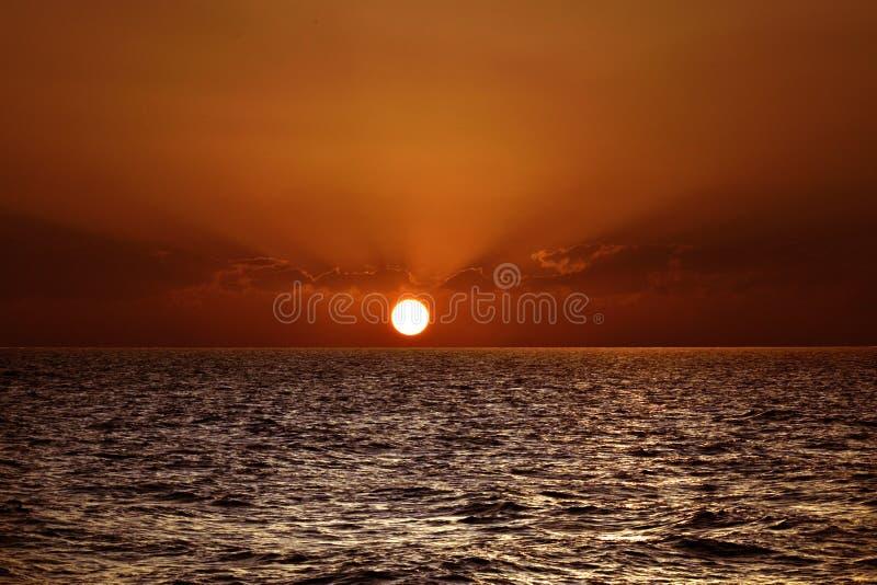 Όμορφο ηλιοβασίλεμα πέρα από τη Μεσόγειο στοκ φωτογραφία με δικαίωμα ελεύθερης χρήσης