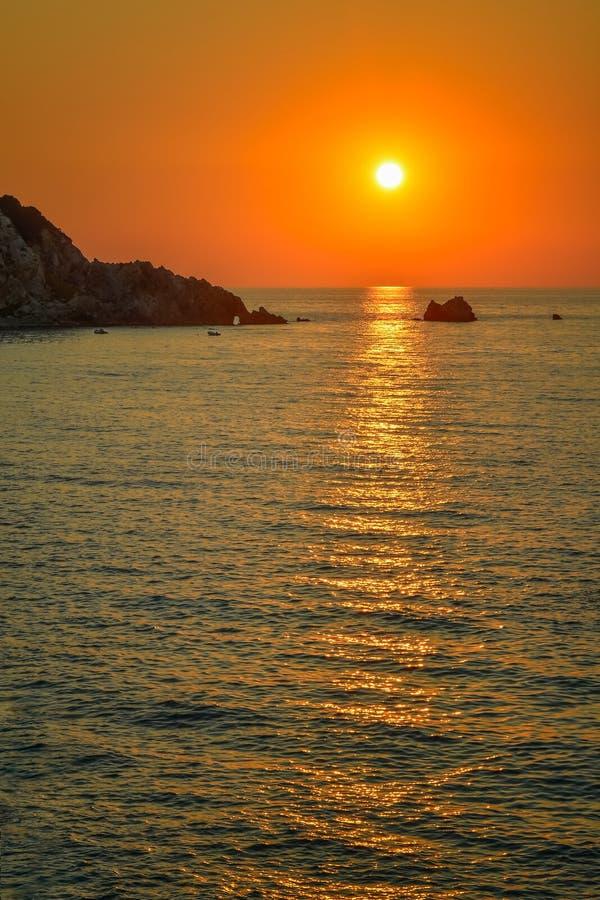 Όμορφο ηλιοβασίλεμα στο νησί της Λευκάδας, Ελλάδα στοκ εικόνες