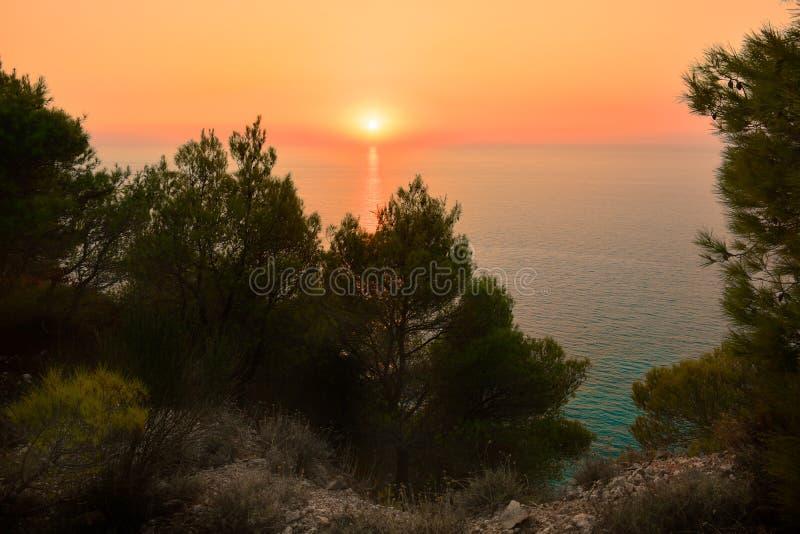 Όμορφο ηλιοβασίλεμα στο νησί της Λευκάδας, Ελλάδα στοκ φωτογραφία