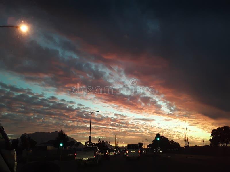 Όμορφο ηλιοβασίλεμα του Καίηπ Τάουν στοκ εικόνες
