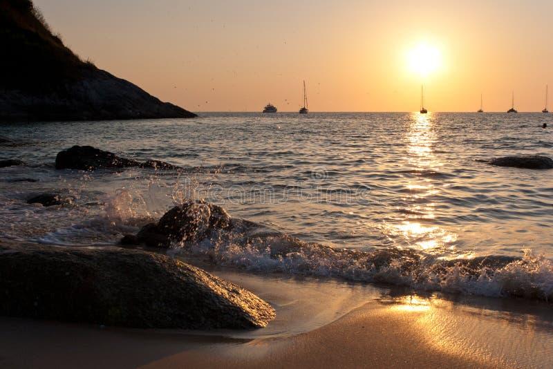 όμορφο ηλιοβασίλεμα τροπικό στοκ φωτογραφία