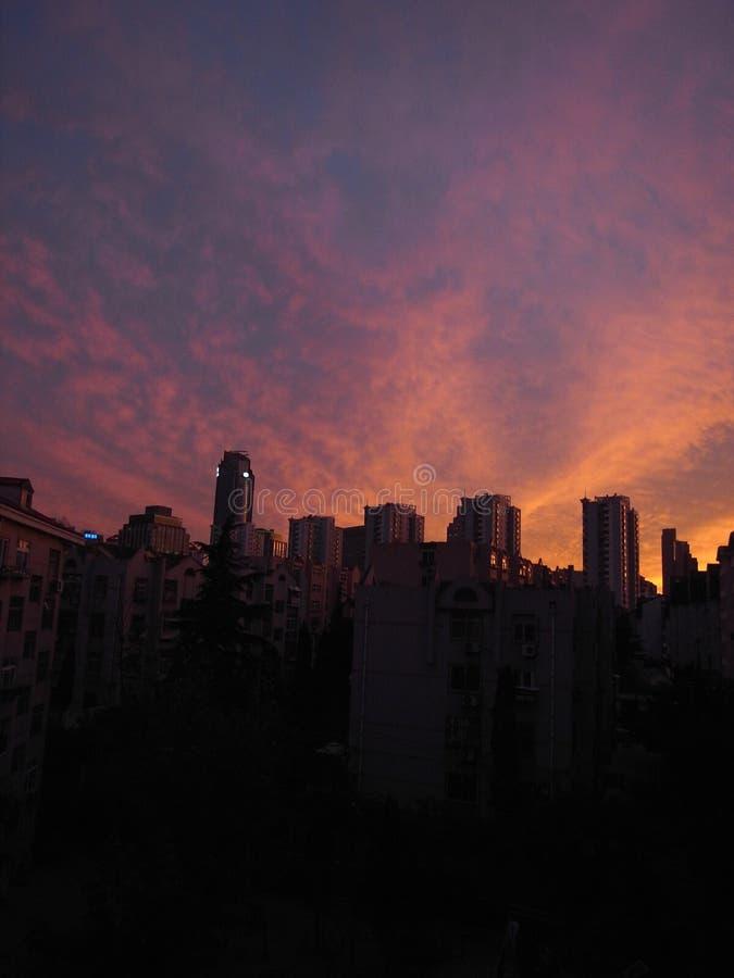 όμορφο ηλιοβασίλεμα ουρανού στοκ εικόνα