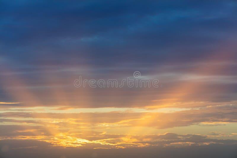 Όμορφο ηλιοβασίλεμα πέρα από τη Μεσόγειο στοκ φωτογραφία