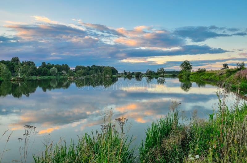 Όμορφο θερινό τοπίο στοκ εικόνες με δικαίωμα ελεύθερης χρήσης