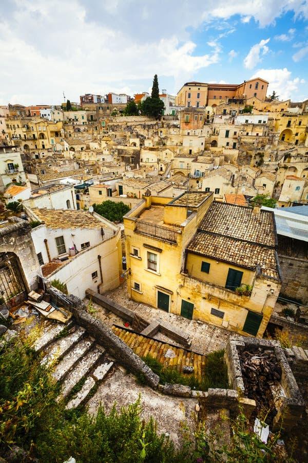 Όμορφο ιταλικό μεσαιωνικό χωριό Πόλη $matera, Ιταλία εναέρια όψη στοκ εικόνες