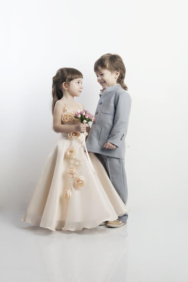 όμορφο κορίτσι αγοριών λίγο πορτρέτο δύο στοκ φωτογραφία με δικαίωμα ελεύθερης χρήσης