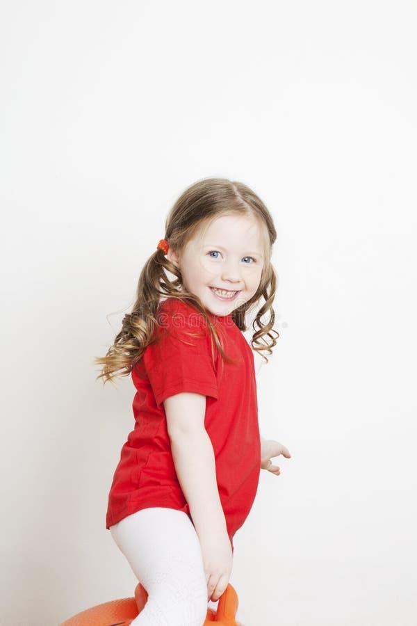 όμορφο κορίτσι λίγο παίζοντας πορτρέτο στοκ εικόνες