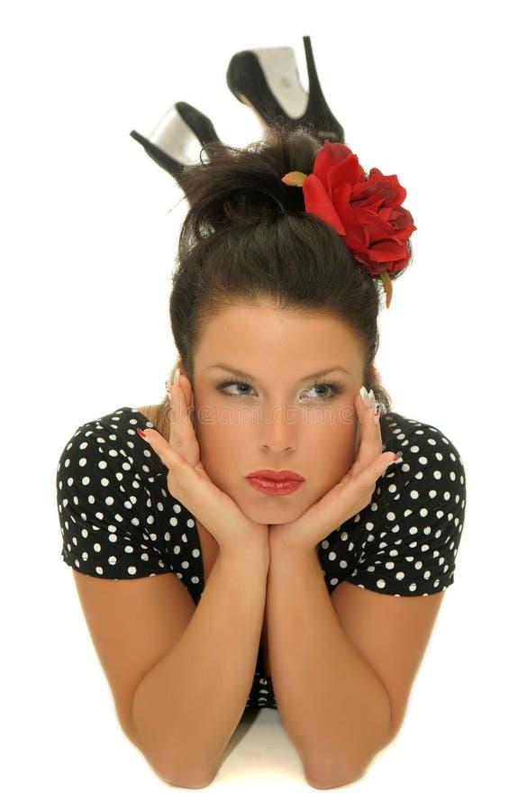Όμορφο κορίτσι με την τοποθέτηση στοκ φωτογραφίες με δικαίωμα ελεύθερης χρήσης