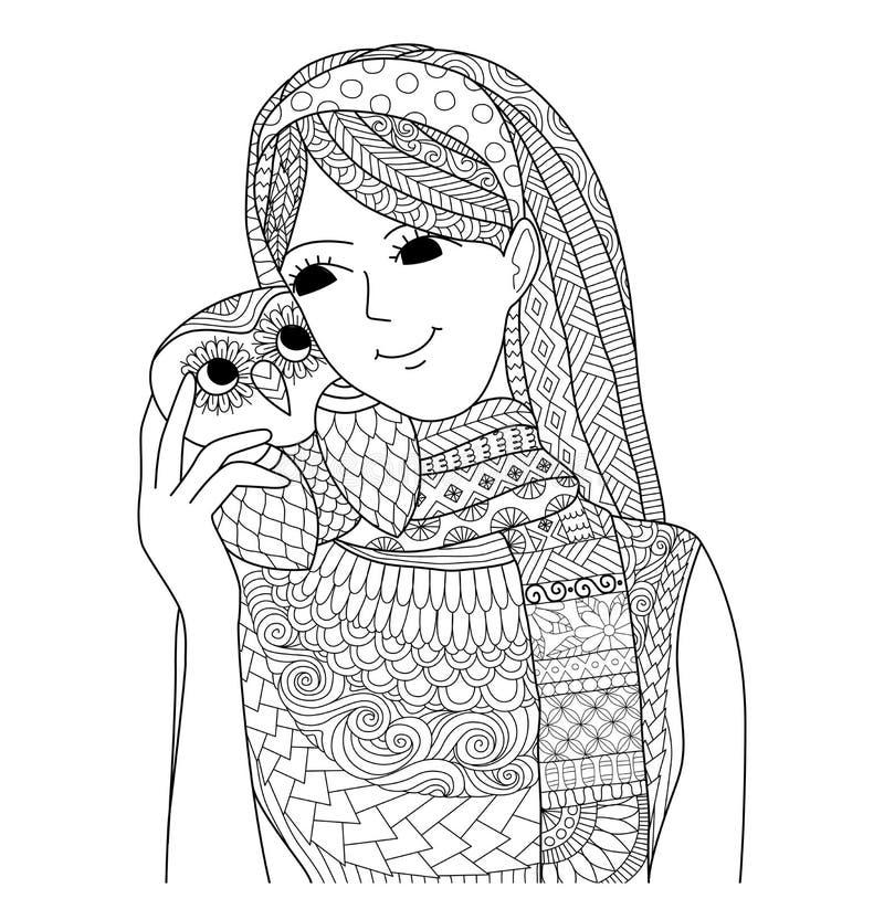 Όμορφο κορίτσι που κρατά ένα σχέδιο κουκουβαγιών zentangle για το χρωματισμό του βιβλίου για τον ενήλικο απεικόνιση αποθεμάτων