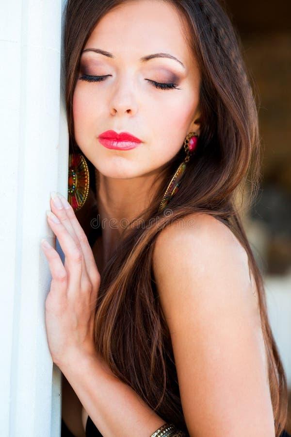 Όμορφο κορίτσι στο μαγιό στοκ φωτογραφία