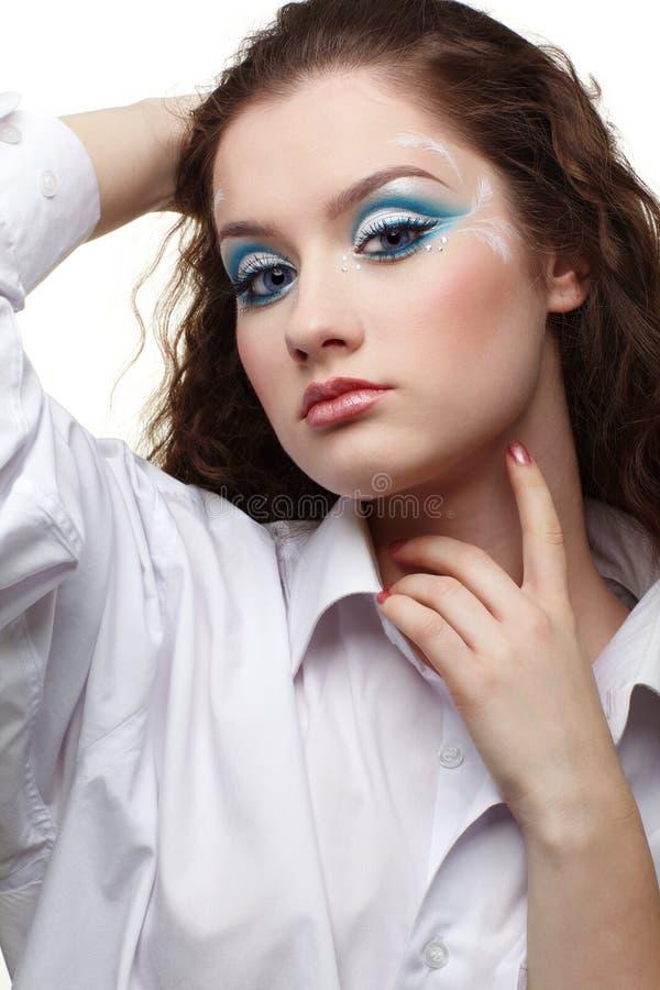 Download όμορφο κορίτσι στοκ εικόνες. εικόνα από συγκέντρωση, hairdo - 17050956