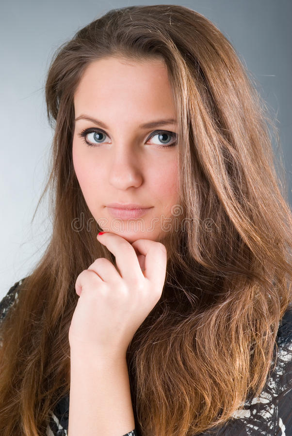 Download όμορφο κορίτσι Brunette προκλητ&io Στοκ Εικόνα - εικόνα από διάθεση, πρόσωπο: 13185331